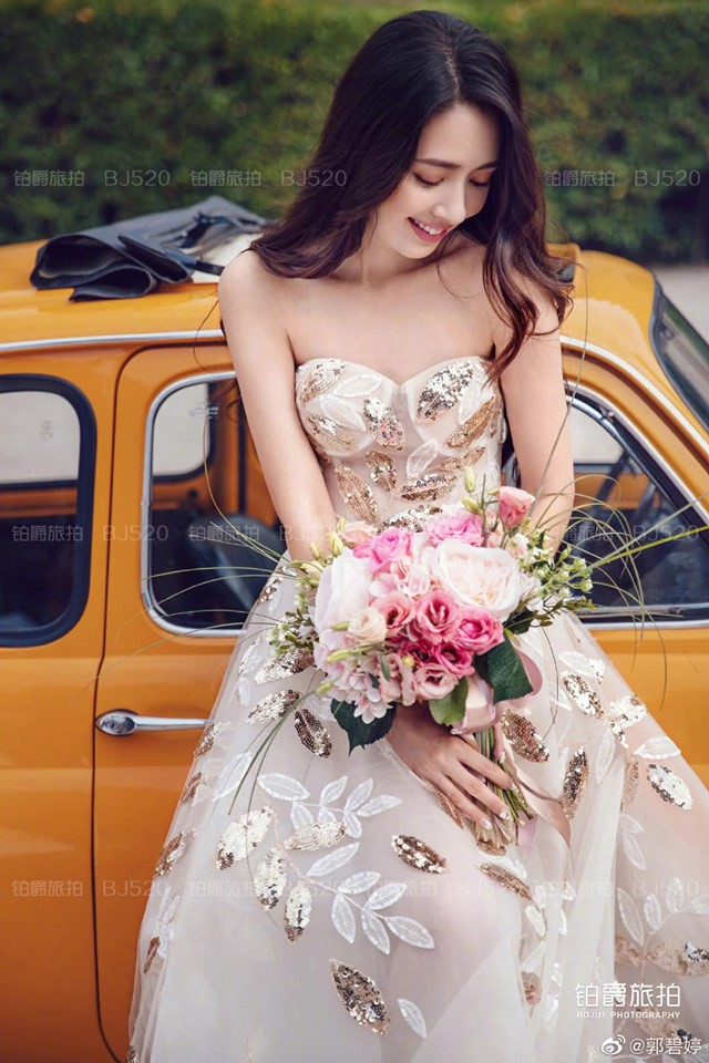 Tổ chức xong hôn lễ bí mật, tình cũ Seungri mới tung bộ ảnh cưới siêu sang, siêu ngọt bên cháu trùm mafia Hong Kong - ảnh 9