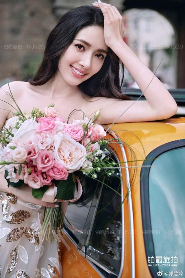 Tổ chức xong hôn lễ bí mật, tình cũ Seungri mới tung bộ ảnh cưới siêu sang, siêu ngọt bên cháu trùm mafia Hong Kong - ảnh 10