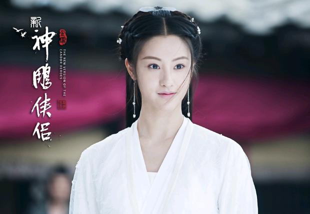 """Đóng Tiểu Long Nữ chưa xong, Mao Hiểu Tuệ lại """"cosplay"""" vai khác Lưu Diệc Phi khiến người xem không ngỏi ngỡ ngàng! - ảnh 12"""