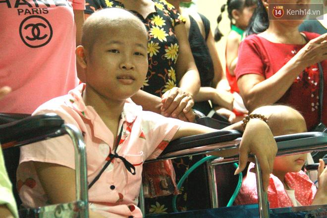 Lời cầu nguyện của chiến binh đầu trọc trong đêm Trung Thu sớm ở bệnh viện: Con ước mơ mình khỏe mạnh để được về và đi học - ảnh 8