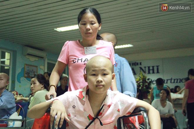 Lời cầu nguyện của chiến binh đầu trọc trong đêm Trung Thu sớm ở bệnh viện: Con ước mơ mình khỏe mạnh để được về và đi học - ảnh 16