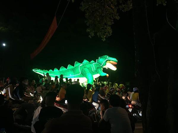 Những chiếc đèn lồng siêu to khổng lồ với muôn vàn biểu cảm hài hước trong dịp Trung thu khiến nhiều người bật cười ngặt nghẽo - ảnh 14