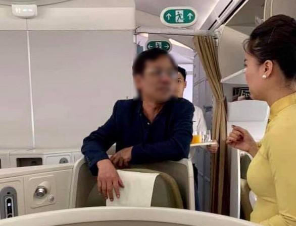 Phạt nhân viên an ninh vụ doanh nhân sờ soạng nữ hành khách trên máy bay - ảnh 1