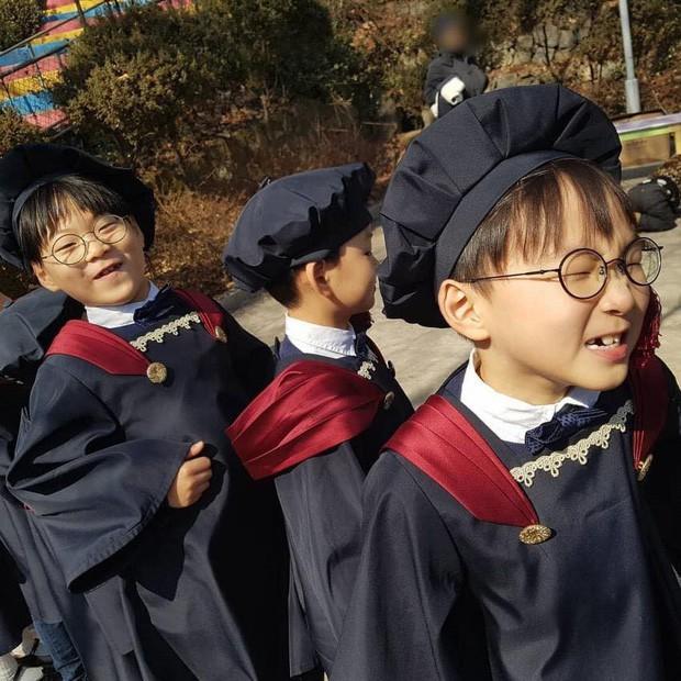 Quan điểm nuôi con đối lập của các ông bố bà mẹ nổi tiếng xứ Hàn Quốc: Người tích cực khoe con trên cả tạp chí, người giấu kín như bưng - ảnh 10
