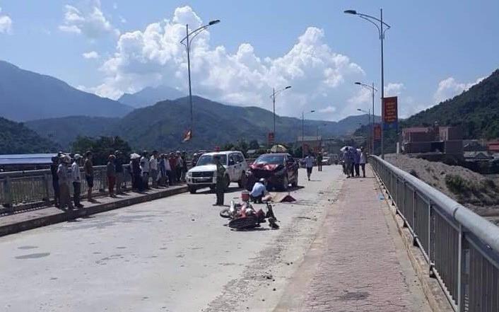 Đấu đầu kinh hoàng giữa xe máy với xe ô tô, 1 người tử vong tại chỗ