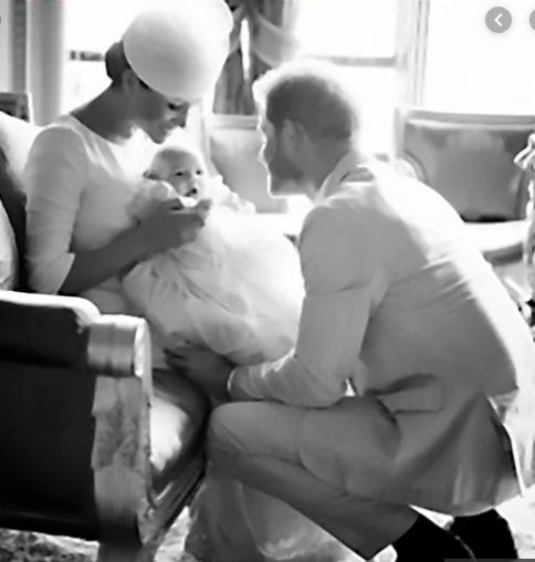 Trước nghi vấn tình cảm rạn nứt, Meghan Markle bất ngờ ngọt ngào với Hoàng tử Harry trong sinh nhật chồng, khoe cả ảnh hiếm của con trai Archie - ảnh 2