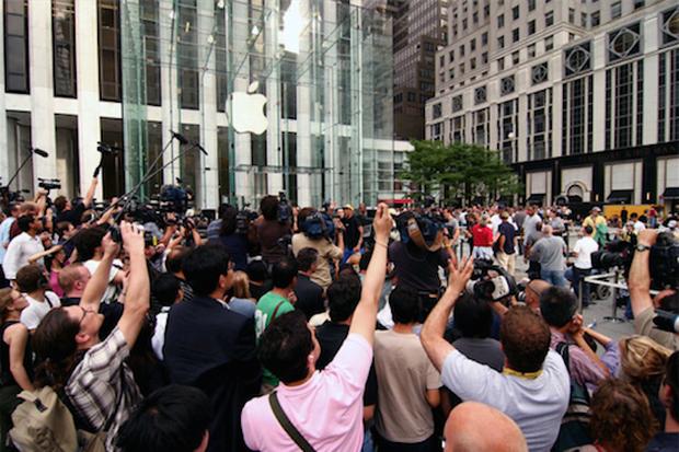Bí mật về vở kịch hoàn hảo của Apple khi ra mắt iPhone đầu tiên: Một giây sảy chân là lụn bại cả đời - Ảnh 3.