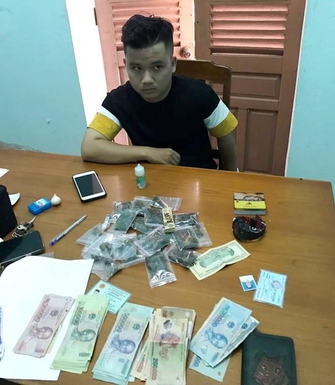 Bắt 2 sinh viên mua bán gần 1,5kg cần sa ở Đà Nẵng - ảnh 1