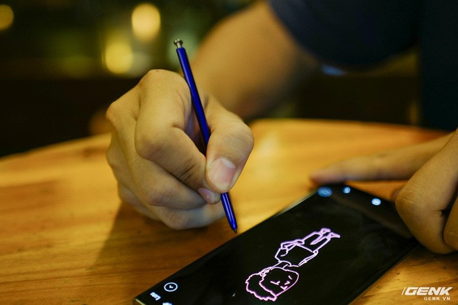Cho iFan cầm thử Galaxy Note10+: Chỗ nào hay hơn iPhone, chỗ nào còn chưa được tốt? - ảnh 3