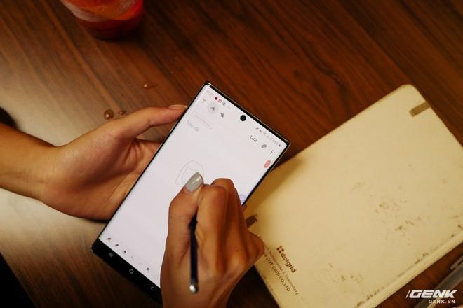 Cho iFan cầm thử Galaxy Note10+: Chỗ nào hay hơn iPhone, chỗ nào còn chưa được tốt? - ảnh 4