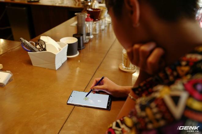 Cho iFan cầm thử Galaxy Note10+: Chỗ nào hay hơn iPhone, chỗ nào còn chưa được tốt? - ảnh 5