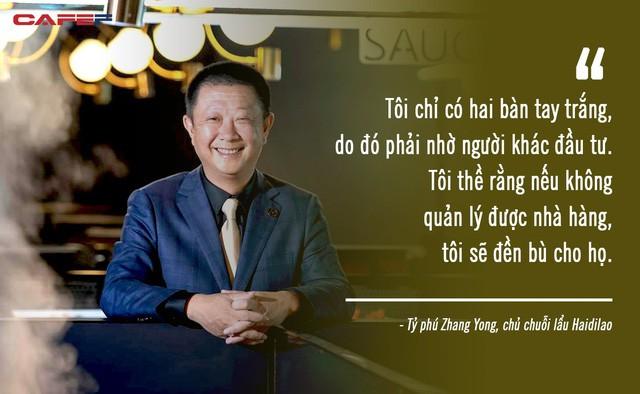 Xô đổ kỷ lục 10 năm, vua lẩu gốc Trung thành tỷ phú giàu nhất Singapore: Bỏ học để mở nhà hàng lẩu dù không biết nấu, coi trọng nhân viên hơn cả khách hàng! - ảnh 2