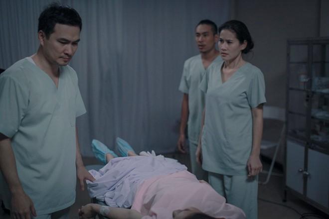 Việt Anh phẫu thuật đẹp hơn Soobin đã là gì, những pha đập đi xây lại trên phim còn dữ dằn hơn - ảnh 9