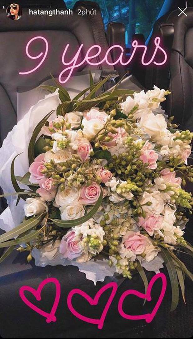 Sao Vbiz đối lập trong ngày kỷ niệm tình yêu: Trấn Thành tặng Hari nhẫn kim cương, Trường Giang mua dép tổ ong? - ảnh 3