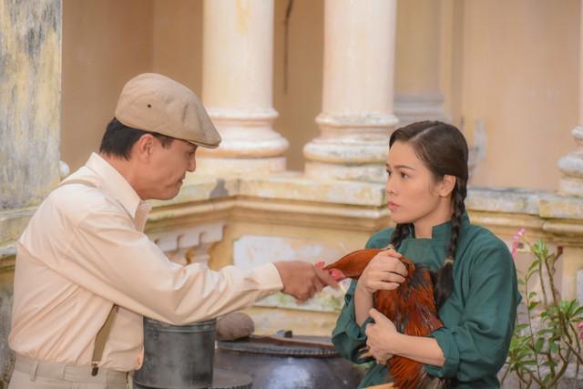 Tiếng Sét Trong Mưa và Hoa Hồng Trên Ngực Trái: Cuộc đụng độ giữa hai phim Việt hot nhất hiện nay! - Ảnh 11.