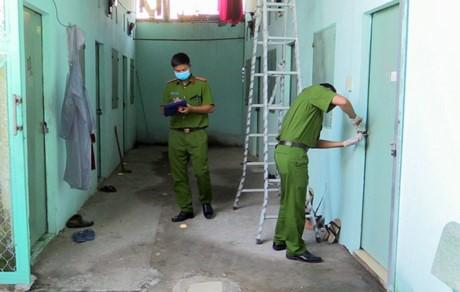 Truy bắt gã chồng cũ phóng hỏa khiến vợ cùng con trai 14 tuổi bị bỏng nặng ở Sài Gòn - ảnh 1