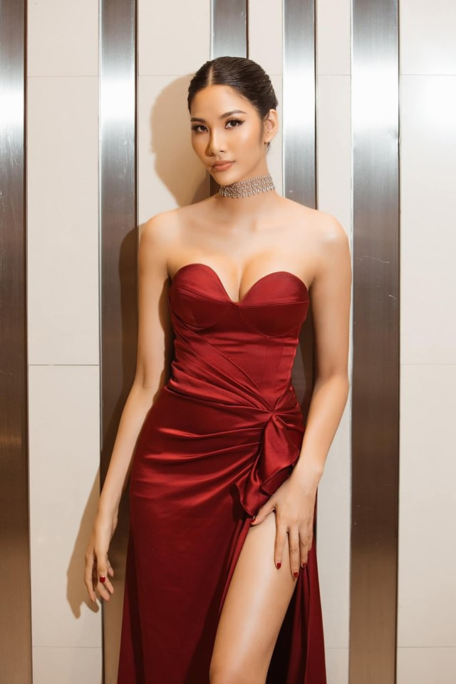 Hoàng Thùy phớt lờ tin đồn nâng ngực để thi Miss Universe 2019, chăm diện váy áo khoe trọn vòng 1 căng tròn - Ảnh 10.