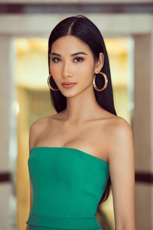 Hoàng Thùy phớt lờ tin đồn nâng ngực để thi Miss Universe 2019, chăm diện váy áo khoe trọn vòng 1 căng tròn - Ảnh 1.