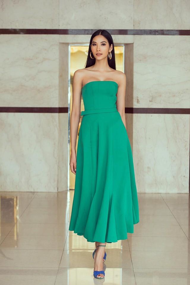 Hoàng Thùy phớt lờ tin đồn nâng ngực để thi Miss Universe 2019, chăm diện váy áo khoe trọn vòng 1 căng tròn - Ảnh 3.