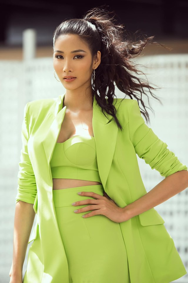 Hoàng Thùy phớt lờ tin đồn nâng ngực để thi Miss Universe 2019, chăm diện váy áo khoe trọn vòng 1 căng tròn - Ảnh 5.