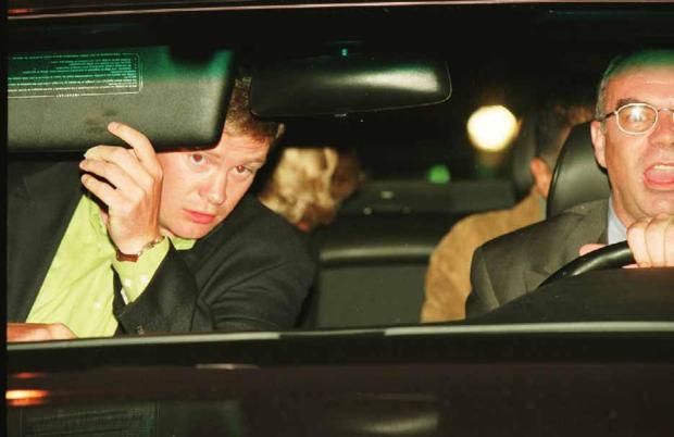 Người duy nhất sống sót trong tai nạn thảm khốc của Công nương Diana: Phải phẫu thuật khuôn mặt, bị kiện tụng và 'thuyết âm mưu' bủa vây hơn 2 thập kỷ - ảnh 4