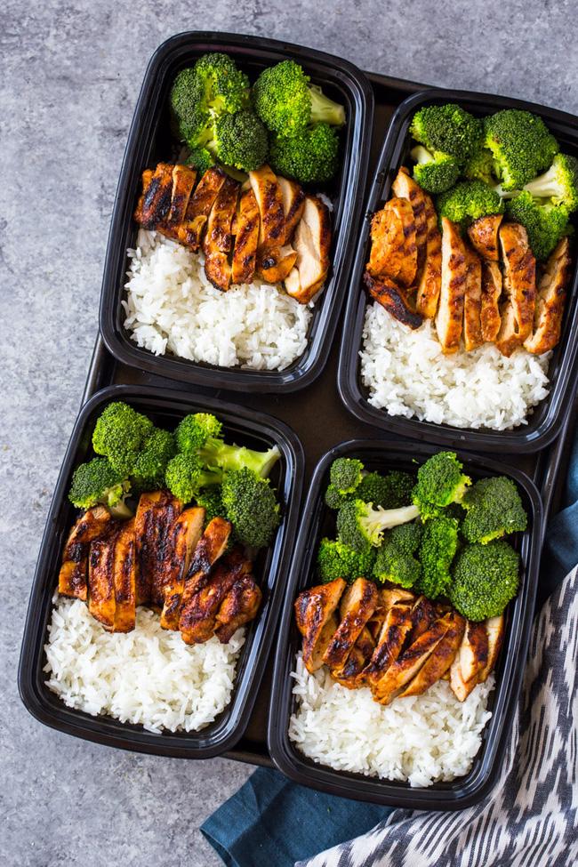 4 tips giúp bạn ăn ít đi, áp dụng từ giờ thì không lo phát tướng sau Tết, có khi còn gầy hẳn - ảnh 4
