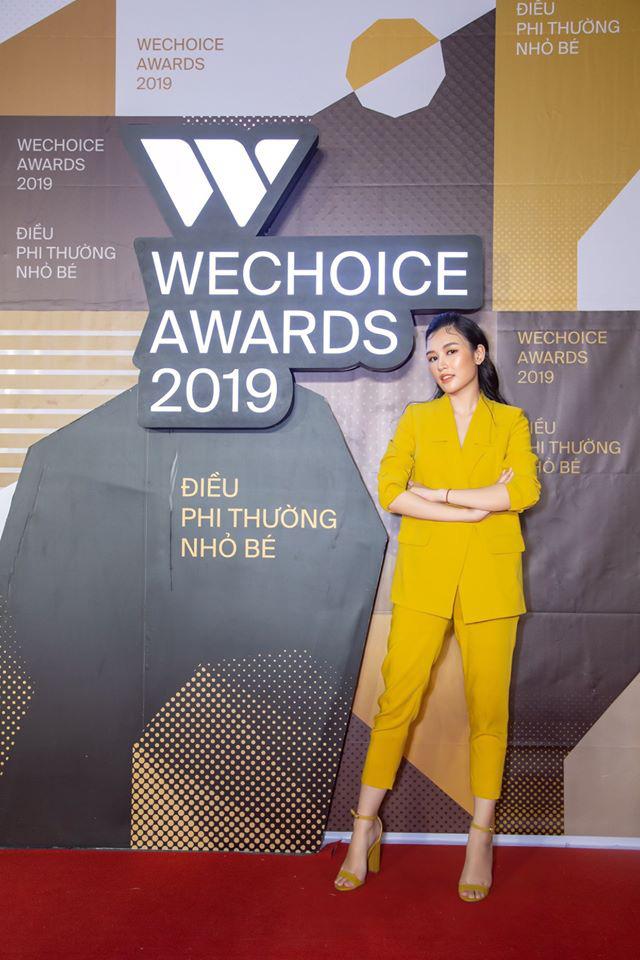 Minh Nghi, Hạ Mi, Chi Chi... mỗi người một vẻ, mười phân vẹn mười trên thảm đỏ gala WeChoice Awards 2019, cả làng game đứng ngồi không yên - Ảnh 6.