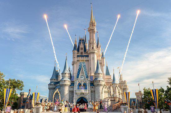 Khi Disneyland giờ chỉ dành cho người giàu: Giá vé lên tới hơn 27 triệu và bài học xương máu Để vươn đến đỉnh cao, bạn sẽ phải tàn nhẫn - ảnh 3