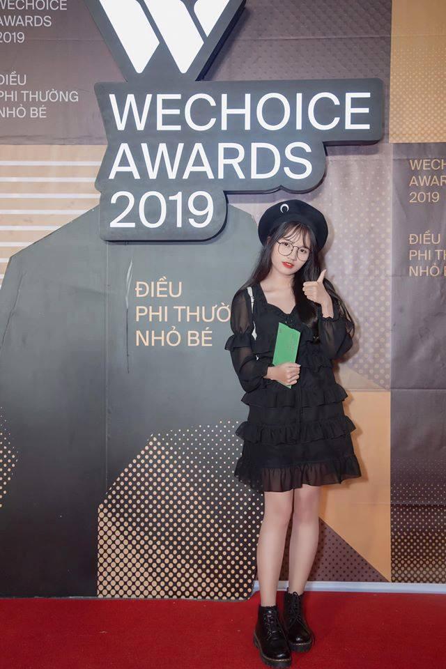 Minh Nghi, Hạ Mi, Chi Chi... mỗi người một vẻ, mười phân vẹn mười trên thảm đỏ gala WeChoice Awards 2019, cả làng game đứng ngồi không yên - Ảnh 7.