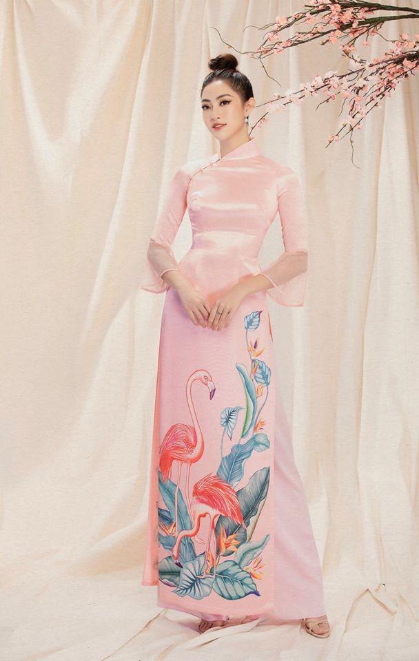 Bộ ảnh mới đong đầy sắc xuân của Lương Thuỳ Linh: Diện áo dài nền nã, túi búi cao khoe nhan sắc cực xinh đẹp! - ảnh 6