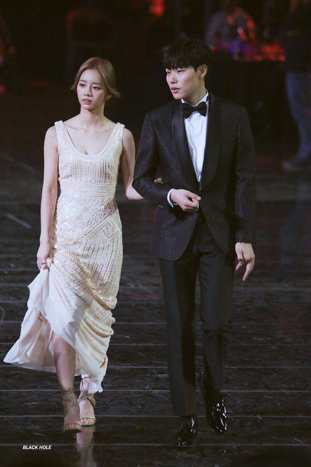 7 cặp sao Hàn dự dễ lên xe hoa nhất năm 2020: Kim Woo Bin, cặp Reply 1988 hay Lee Kwang Soo mở bát năm nay? - Ảnh 21.