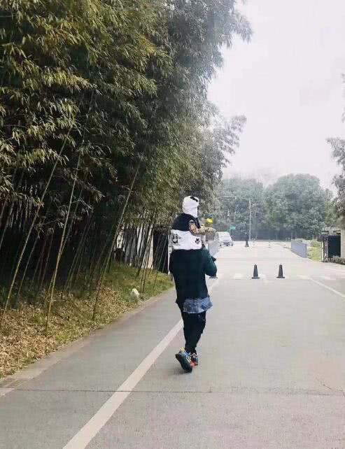 Mừng sinh nhật quý tử 3 tuổi, Angela Baby - Huỳnh Hiểu Minh không đả động đến nhau, thân ai người nấy chúc mừng - ảnh 3