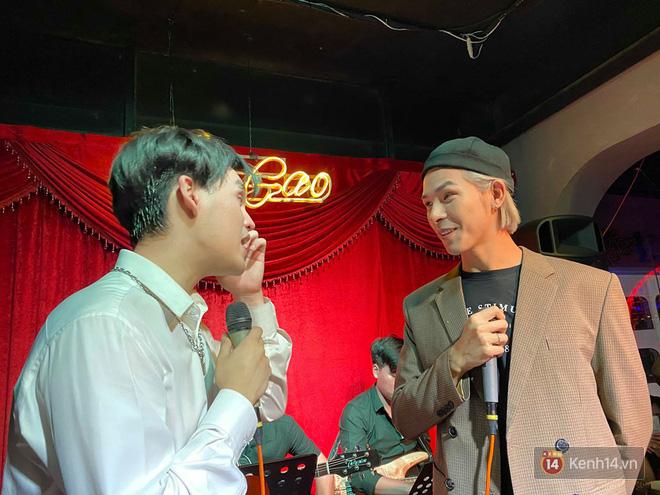 Nguyễn Trần Trung Quân ngẫu hứng hát Từ Đó, Denis Đặng lần đầu tiên khoe giọng hát qua bản hit một thời của Bích Phương! - ảnh 4