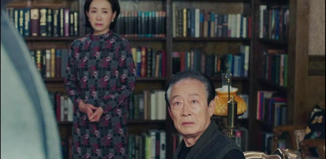 Hot nhất tập 9 Crash Landing on You: Bố chồng Son Ye Jin cạn lời nhìn quý tử Hyun Bin xà nẹo con dâu - ảnh 2