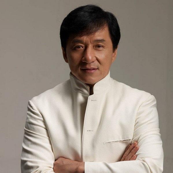 5 ngôi sao phòng vé nghìn tỉ mùa Tết của điện ảnh Hoa ngữ: Thẩm Đằng là tân vua hài kịch, Thành Long ngày càng flop? - ảnh 8