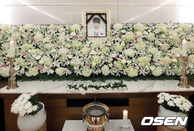 Rùng mình ngày tử thần hôm nay: Hết em trai Ha Ji Won và nữ ca sĩ Hàn tưởng niệm ngày mất, lại thêm 1 nghệ sĩ qua đời - ảnh 2