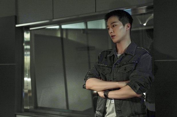Ma cà rồng Lee Soo Hyuk dắt trai trẻ Jang Ki Yong tái xuất phim mới: Trinh thám giật gân hay đam mỹ trá hình? - ảnh 4