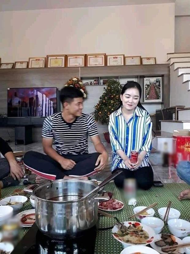 Năm ngoái Hà Đức Chinh đưa bạn gái hiền thục về ăn Tết, năm nay một mình anh phải đi chợ sắm Tết từ sáng đến quá trưa mệt phờ - Ảnh 3.