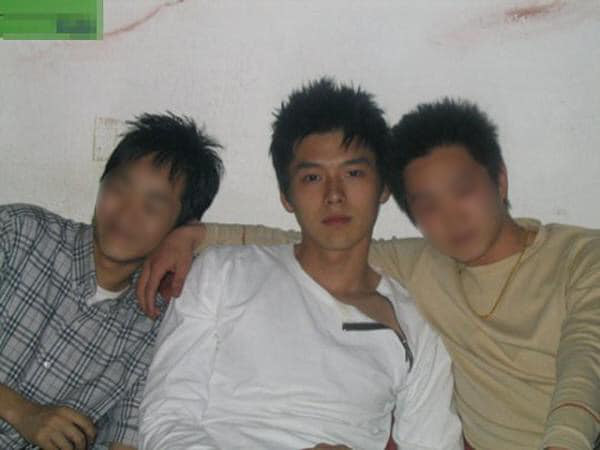 Ảnh chứng minh thư lộ nhan săcd gây ngỡ ngàng của Hyun Bin ngoài đời: Đúng là báu vật cần chị em cả châu Á bảo vệ! - ảnh 3