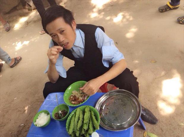 Ai như nghệ sĩ Hoài Linh: Người mơ không được, anh lại kêu khổ khi ở khách sạn 5 sao vì quá mê... cá khô và nước mắm - Ảnh 4.