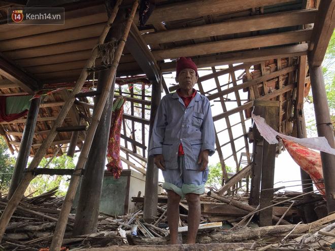 Ảnh: Nước lũ cuốn trôi nhiều căn nhà, người dân Quảng Bình cố tìm kiếm chút tài sản còn sót lại trong vô vọng - Ảnh 6.