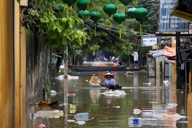 Bão số 9 năm nay được dự báo mạnh tương đương bão Damrey trong lịch sử, vậy bão Damrey từng có sức tàn phá kinh hoàng thế nào? - Ảnh 14.