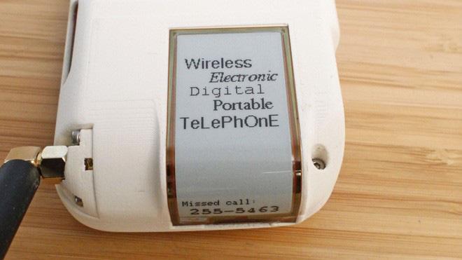 Chán smartphone, cô nàng nổi hứng tự chế điện thoại quay số đồ cổ lai tạp chuẩn xịn vintage - ảnh 4