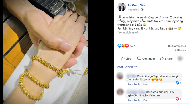Công Vinh khoe vòng vàng của Thuỷ Tiên và tự nhận: Lễ tình nhân anh không có gì ngoài 2 bàn tay trắng - ảnh 1