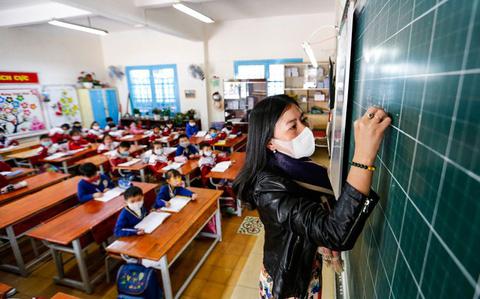 Hà Nội đề xuất cho học sinh nghỉ hè chỉ 35 ngày, nghỉ Tết một tháng và 2 kỳ nghỉ mỗi kỳ 2 tuần. - ảnh 1