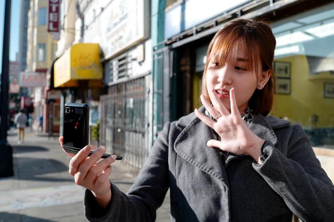 Video trải nghiệm camera Galaxy Z Flip - một cách chụp hình hoàn toàn mới - ảnh 5