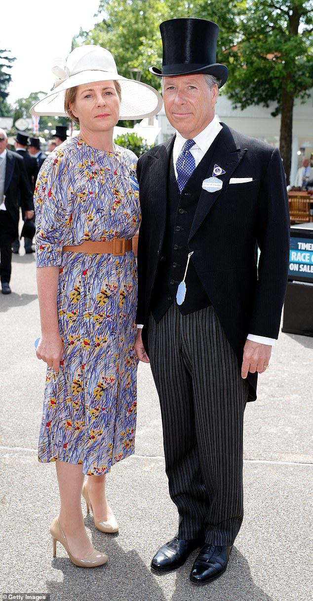 Nỗi buồn hoàng gia Anh: Thêm một cặp đôi ly hôn sau 26 năm chung sống, vợ chồng Meghan Markle lại bị xướng tên - ảnh 3