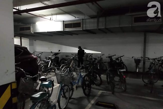 Hà Nội: Cư dân chung cư cao cấp phẫn nộ phát hiện bảo vệ tè bậy ngay tại tầng hầm - ảnh 1
