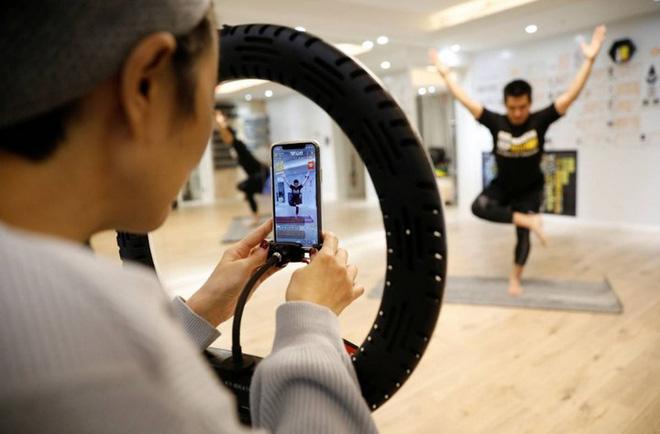 Xã hội online tại Trung Quốc bùng nổ thời dịch Covid-19: Livestream ngủ ngáy cũng có 800.000 người theo dõi, được tặng 10 nghìn USD - ảnh 4