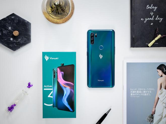 Mới ra mắt 1 tháng, Vsmart Active 3 đã có giá mới tốt hơn, smartphone Trung Quốc biết sống sao? - ảnh 1